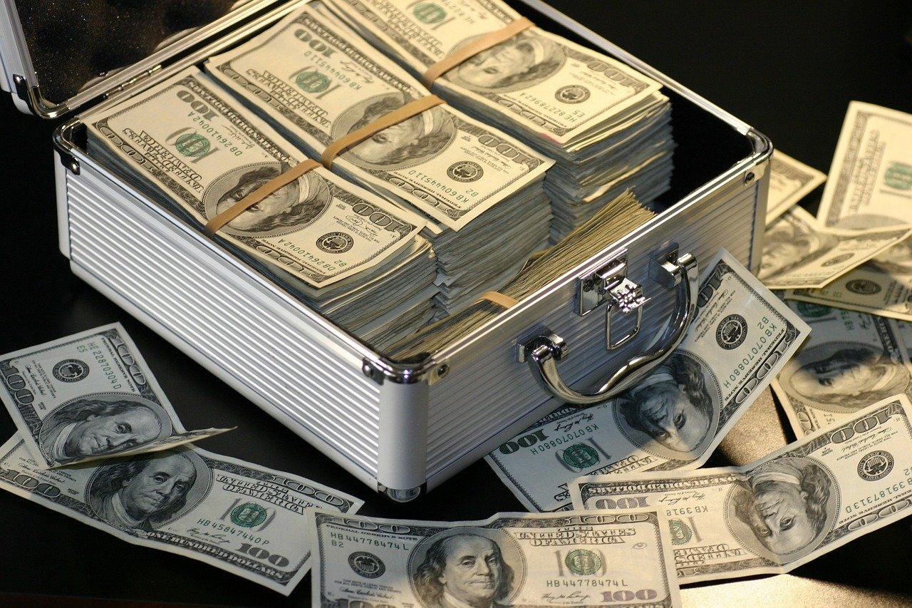 5 Degen DeFi Yield Farms Providing Hourly Returns Of Over 0.4% • CryptoMode